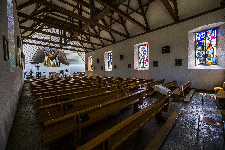 Eglise Sainte-Marie et vitraux de Coghuf – Lajoux