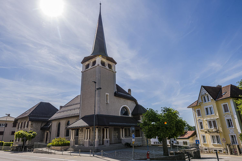 Eglise réformée évangélique avec vitraux de Aloys Perregaux – Saignelégier